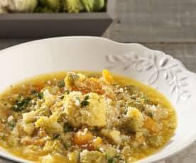 Sopa de coliflor y romanescu con calabaza