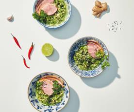 Asiatischer Gurkensalat mit geräucherter Entenbrust