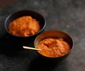 Húmus de abóbora-manteiga e pimento