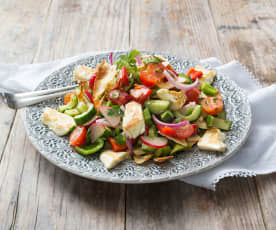 Fattoush with grilled haloumi