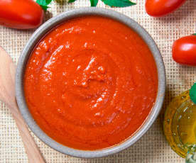 Klasický rajčatový protlak (passata)