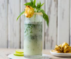 Pineapple and coconut mojito