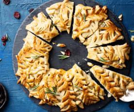 Corona de espelta con queso panela, arándanos y romero