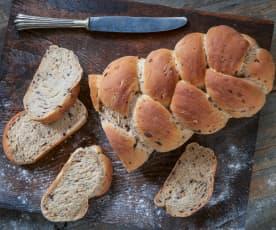 Treccia di pane alle olive