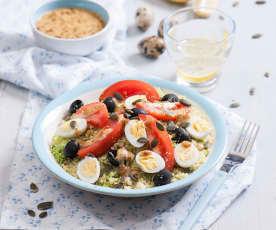 Śródziemnomorska sałatka z kaszy jaglanej z pomidorami i oliwkami