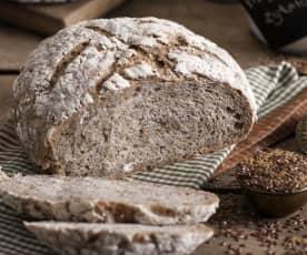 Chleb pszenno-żytni z kaszą gryczaną, chia i siemieniem lnianym na zakwasie