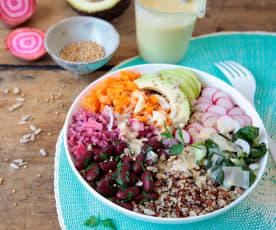 Buddha bowl au quinoa et légumes variés