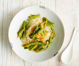 Noodles com feijão-verde