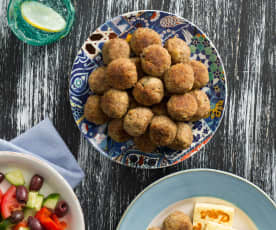 Keftethes (Greek meatballs)