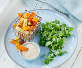 Gemüsepommes mit Dip und Salat