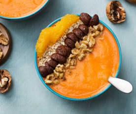Smoothie bowl de zanahoria, naranja y mango