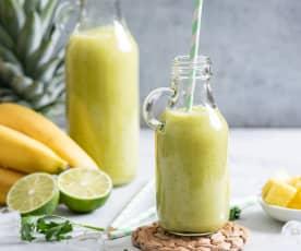 Smoothie z ananasem, limonką i awokado