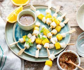 Minibrochettes de pétoncles au beurre d'orange