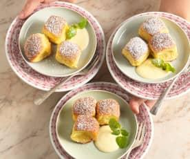 Dukatenbuchteln mit Kanarimilch