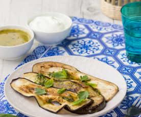 Melanzane grigliate con emulsione e salsa allo yougurt