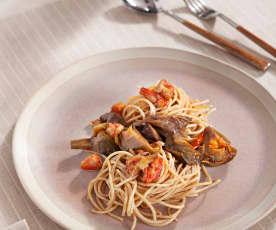 Espaguetis con setas, alcachofas y carabineros