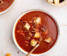Sopa de calamar a la paprika con crutones TM6