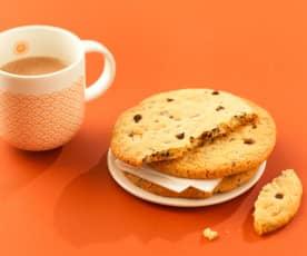 Maxi-cookies aux pépites de chocolat blanc et noir