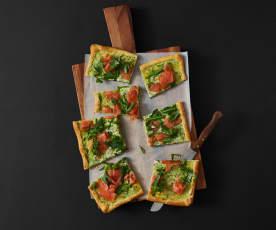 Räucherlachs-Frühlingszwiebel-Pizza