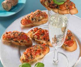 Crostini mit Tomate