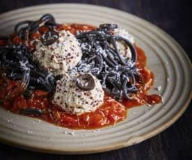 Espaguetis con albóndigas fantasmagóricos