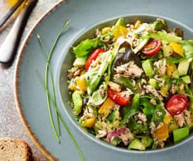 Kinoalı Sebzeli Somon Salatası