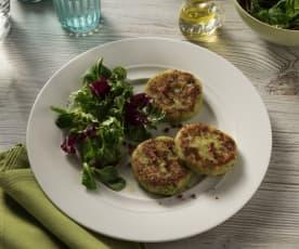 Kaspressknödel mit Blattsalat