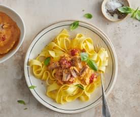 Pasta con salsa al tonno