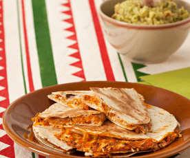 Sincronizadas de pollo, tomate y cilantro