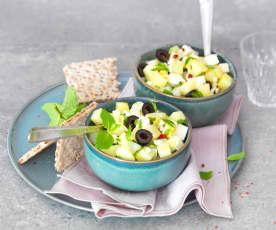 Salade de pomme de terre, olives, feta et herbes fraîches