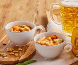 Straccetti di tacchino alla birra con zucca e salvia