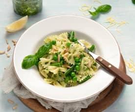 One Pot Pasta mit zitronigem Pesto und grünem Gemüse