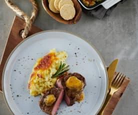 Rinderfilet mit Kartoffelgratin und Senfbutter