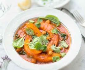 Curry rouge de courge, pois chiches et épinards