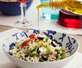Ensalada griega de arroz