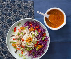 Bun bo hue (spicy noodle soup)
