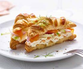 Petits croissants au saumon et fromage frais