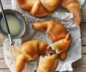 Croissant con ripieno di noci