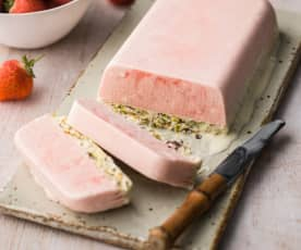 Strawberry and Pistachio Semifreddo - Semifreddo alla fragola e pistacchio