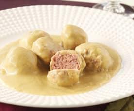Pulpety z sosem cebulowo-migdałowym