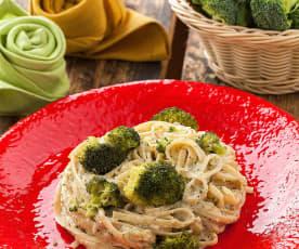 Linguine con pesto di noci e broccoli
