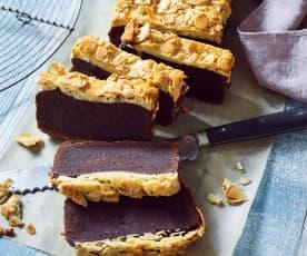 Schokoladenkuchen mit Bienenstichkruste