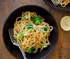 Broccoli, chilli and pine nut spaghetti