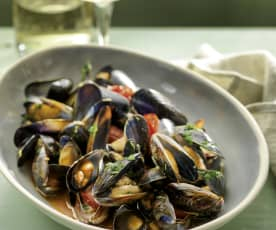 Mussels in Spicy Tomato Sauce
