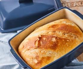 Pszenny chleb na maślance (z naczynia kamionkowego)