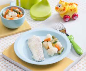 Filet z morszczuka z warzywami gotowanymi na parze (dla dzieci)