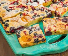 Třený ovocný koláč