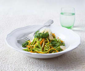 """""""Spaghetti"""" with spinach and mint pesto"""