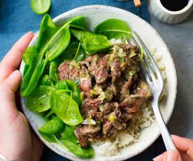 Bœuf thaï aux oignons et riz basmati