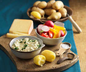 Sutt (gekochte Erdäpfel mit Topfen und Käse)